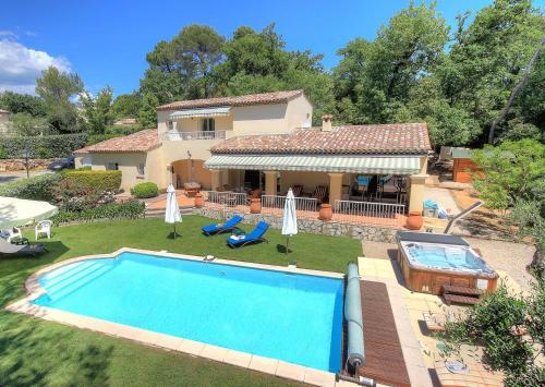 Villa Bois Doré : Guest accommodation near Valbonne