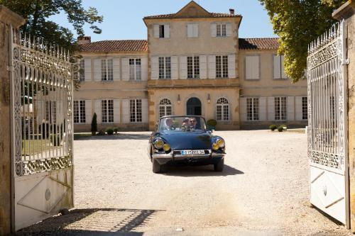 Château Golf de Pallanne : Guest accommodation near Artagnan