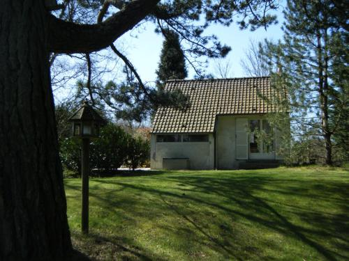 La Source : Guest accommodation near Nesles