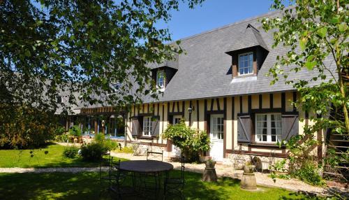 Le Bois des Pierres : Bed and Breakfast near Fatouville-Grestain