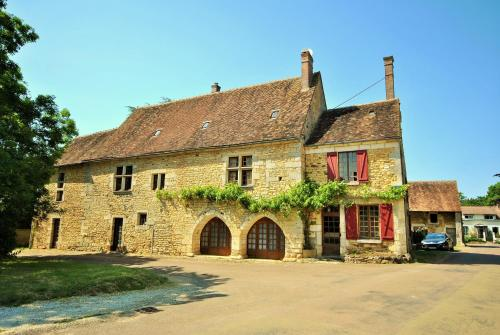 Le Tribunal : Guest accommodation near Fontenoy