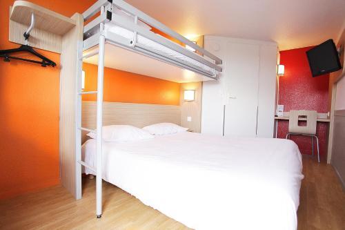 Premiere Classe St Brieuc Tregueux : Hotel near Saint-Brieuc