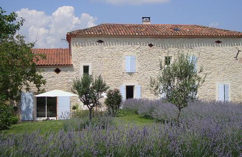 La Bastide : Bed and Breakfast near Brousse
