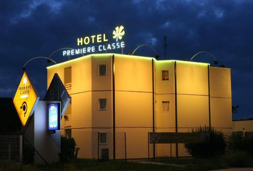 Premiere Classe Bordeaux Sud Pessac Bersol : Hotel near Saucats