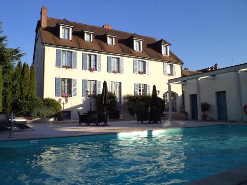 Hotel Pinocchio : Hotel near Oiselay-et-Grachaux