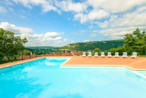 Lagrange Vacances Le Domaine des Cazelles : Guest accommodation near La Capelle-Balaguier