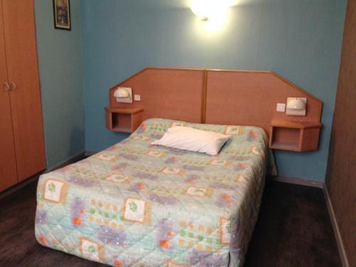 Hotel Du Midi : Hotel near Les Martres-de-Veyre