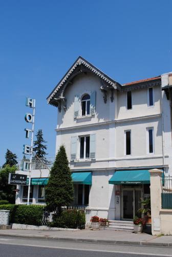Hôtel Lacassagne : Hotel near Vénissieux