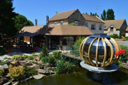 Domaine de la Haie des Granges : Hotel near Douains