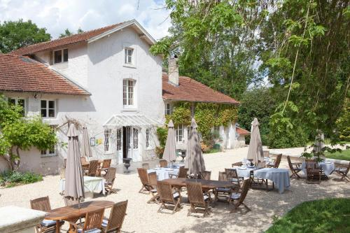 La Source Bleue : Hotel near Villiers-le-Sec