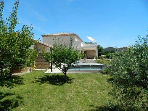Aujuseb : Bed and Breakfast near Mas-Saintes-Puelles