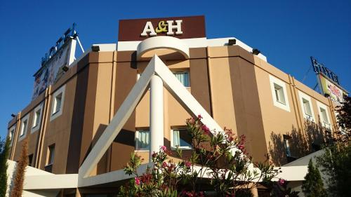 A&H PRIVILÈGE Lyon Est - Saint Priest Eurexpo : Hotel near Vénissieux