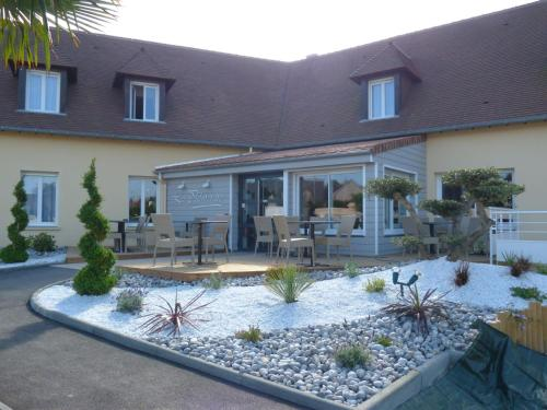 La Palmeraie : Hotel near Biéville-Beuville