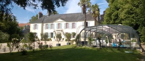 Demeure de Villiers : Bed and Breakfast near Cérences