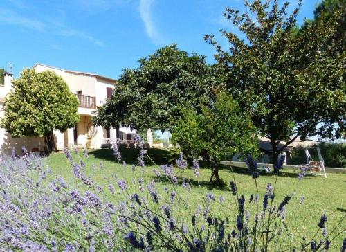 L'Oustaou de Fanny e Marius : Bed and Breakfast near Aramon