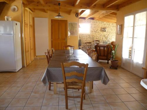 La Grange Des Chouettes : Guest accommodation near Ore