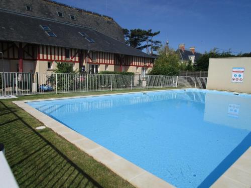 Duplex avec jardin et bord de mer : Guest accommodation near Longues-sur-Mer
