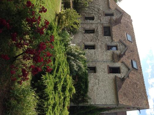Le Moulin de Dannemarie : Guest accommodation near Septeuil