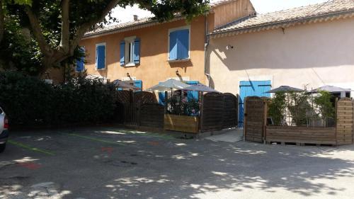 Gîte La Bastide Jourdan : Guest accommodation near Mondragon