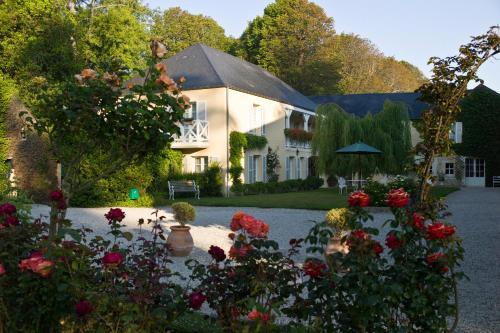 Chateau La Cheneviere : Hotel near Maisons