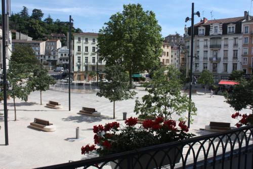 Hôtel du Midi : Hotel near Villevocance