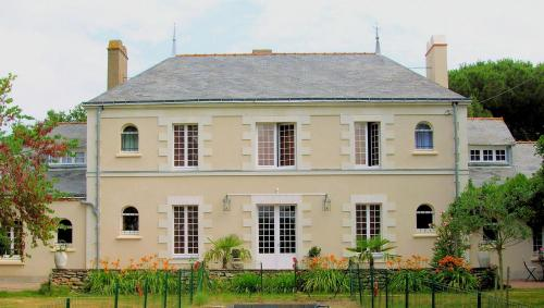 Manoir de l'Espérance : Bed and Breakfast near Besné
