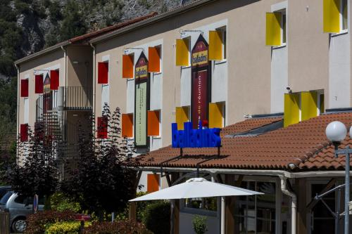 Hôtel balladins Foix : Hotel near L'Herm