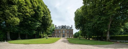Chateau de Maillot : Bed and Breakfast near Saint-Julien-sur-Calonne
