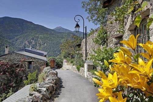 Gîte La Rose Des Vents : Guest accommodation near Ayguatébia-Talau