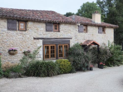 Villemier : Bed and Breakfast near Lussac