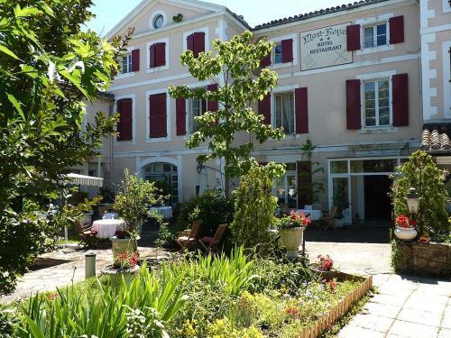 Hôtel Le Mont Royal : Hotel near Montredon-Labessonnié