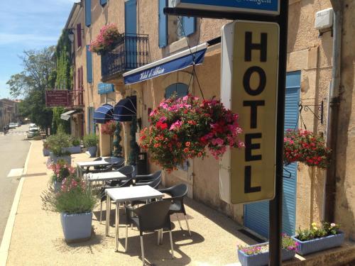 Hotel D'Albion : Hotel near Saint-Trinit