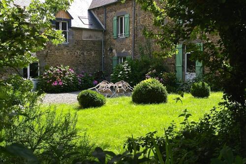 Chambre d'hôtes de Pirieuc : Bed and Breakfast near Tinténiac