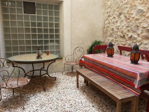Le Patio Des Cigales : Bed and Breakfast near Roquefort-des-Corbières