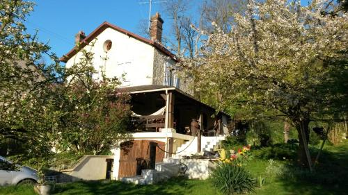 Maison Eureka Chantilly Gouvieux : Guest accommodation near Bellefontaine
