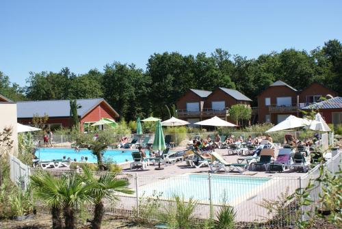 Terres de France - Relais du Plessis Spa Resort : Apartment near Razines