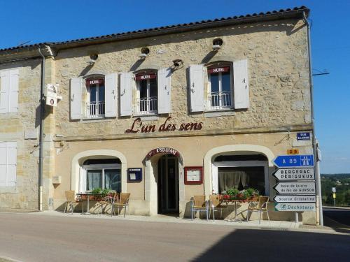 L'un des sens : Hotel near Villefranche-de-Lonchat