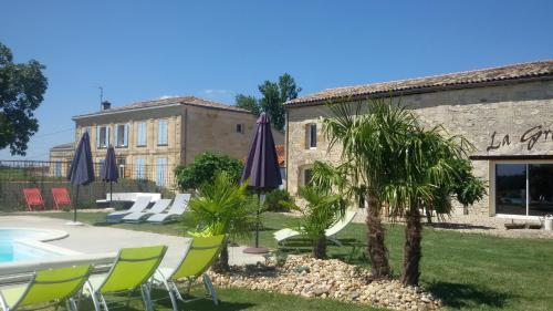 La Grange de La Dupuise : Bed and Breakfast near Saint-Mariens