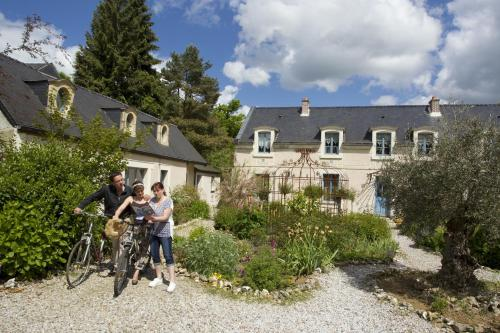 Les Roses de Montherlant : Bed and Breakfast near Tourly