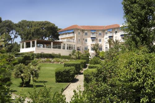 Grand Hôtel Les Lecques : Hotel near Saint-Cyr-sur-Mer