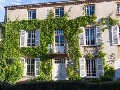 La Chanoinesse : Bed and Breakfast near Montmelas-Saint-Sorlin