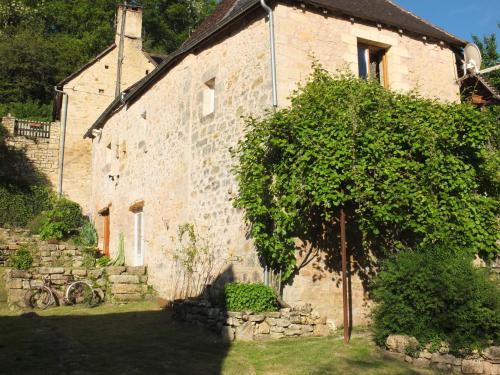 Chambres d'Hôtes - Sur Le Chemin des Sens : Guest accommodation near Sainte-Eulalie-d'Ans