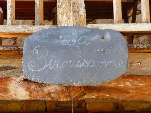 La Biroussanne : Guest accommodation near Saleich