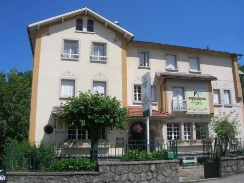 Hôtel La Grande Cordée : Hotel near La Fajolle