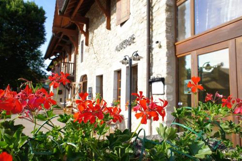 Vacancéole - Auberge de Motz : Guest accommodation near Chanay