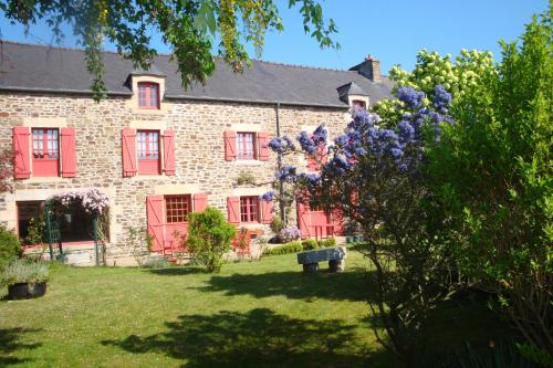 Au Jardin D'Eloïse : Bed and Breakfast near Pleurtuit