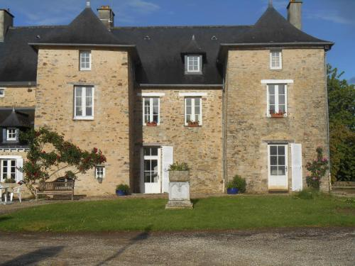 Au Presbytère de Dagmar : Bed and Breakfast near Châtillon-en-Vendelais