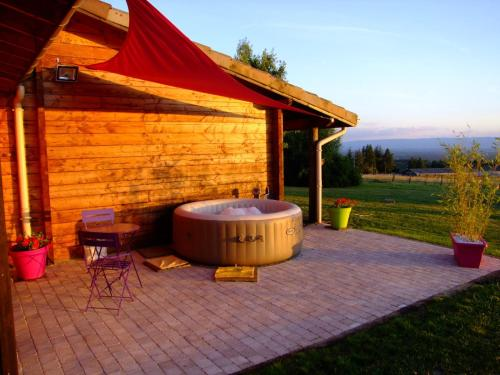 Les Barabans : Bed and Breakfast near Rozier-en-Donzy