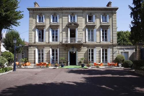 Hôtel Château des Jacobins : Hotel near Prayssas