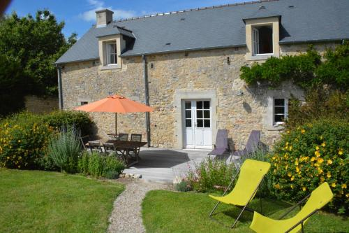 Les Chaufourniers / L'Ecurie : Guest accommodation near Crouay